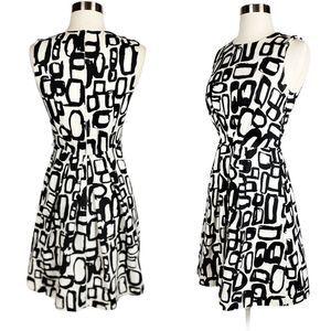 EUC✨TRINA TURK Black White Geometric Print…